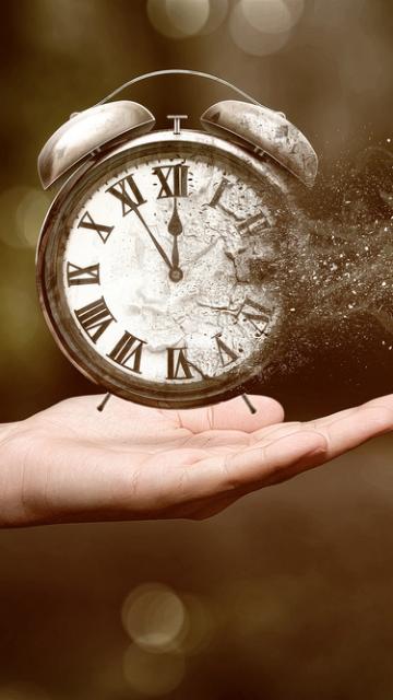 略奪愛を叶える消える時計の待ち受け画像